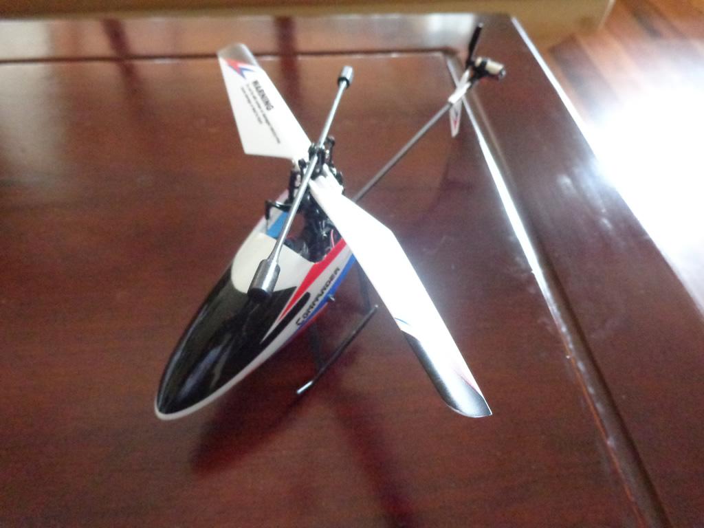 V911 – Un buen microhelicóptero para iniciarse en el radio control